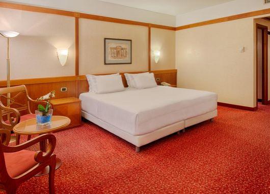 imagen del hotel NH Bologna de la Gare