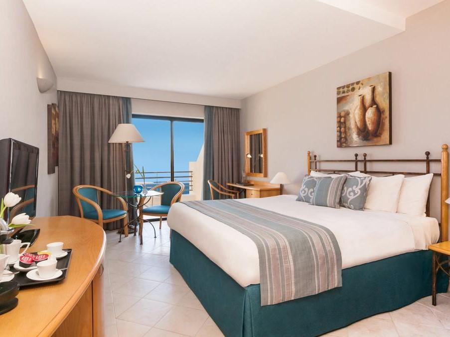 imagen del hotel Marina Hotel Corinthia Beach Resort