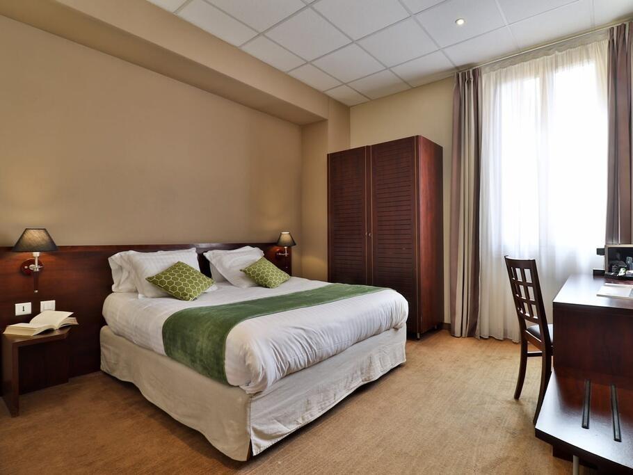 imagen del hotel Kyriad Nice Centre Gare
